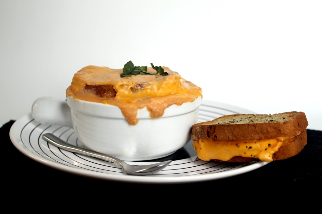 Grilled cheese soup gluten-free, lactose-free, vegetarian.