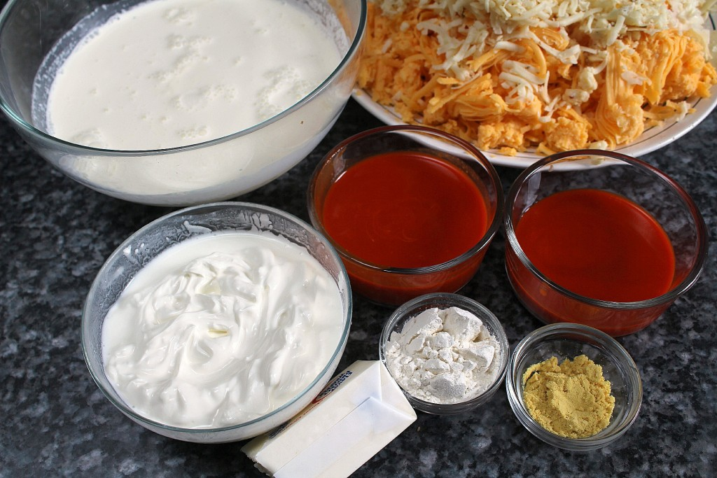 Ingredients for Buffalo chicken macaroni & cheese sauce