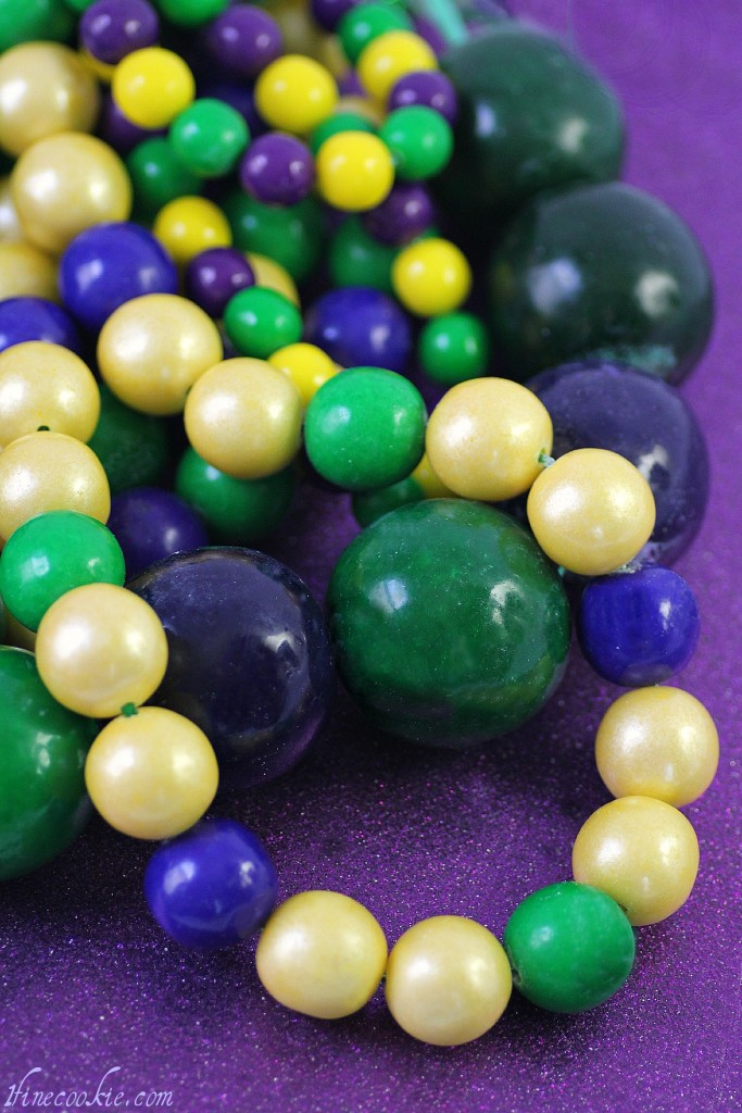 edible beaded neckalace mardi gras bubble gum