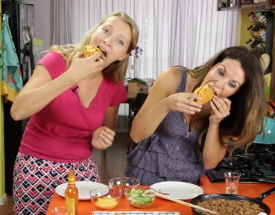 Doritos Locos Taco Recipe Video With Hilah Cooking and 1 Fine Cookie